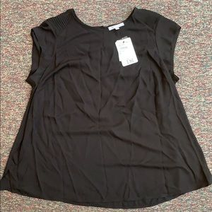 DR2 black cap sleeve blouse NWT